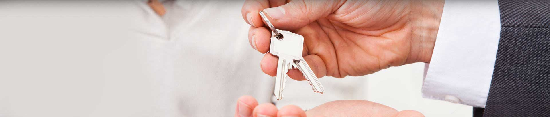 "<h1>Auckland Locksmith</h1> <h2>Need Keys Now?</h2> <h3>LockSmart is mobile</h3> <div class=""button-container""><a href=""/enquiry/"">Click to enquire Now</a></div>"